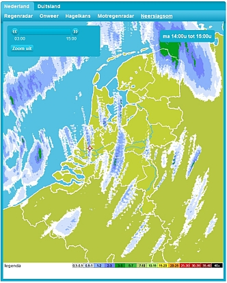 Voorbeeld van de neerslagsom: fraai is de trekrichting van de buien te zien evenals hoeveel water ze hebben laten vallen.