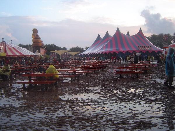 In 2006 kon er een vers modderbad genomen worden.