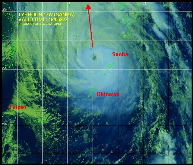 Sanba in close-up: het oog van de orkaan is fraai te zien