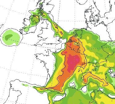 Dit modelveld laat de Spaanse Pluim in al haar glorie zijn. Het oranje-rode gebied zit vol met energie. Duidelijk is ook zichtbaar dat Noord-Nederland de pluim misloopt.